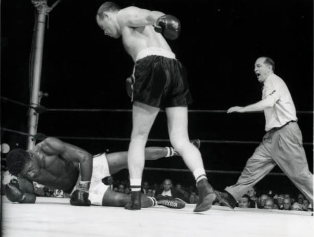 Ron Harris Sends Floyd Patterson To The Canvas