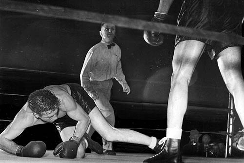 Joe Louis didn't let it go to the scorecards
