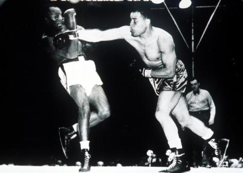 June 25, 1948: Joe Louis defeated Jersey Joe Walcott by KO in round 11