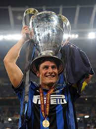 Javier Zanetti wins the Scudetto