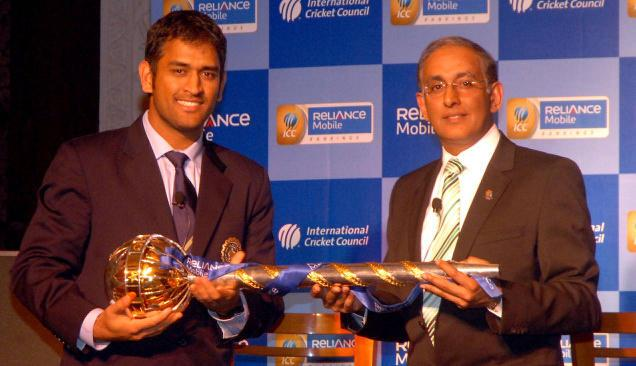 MS DHONI WITH THE 'MACE' FOR INDIA BEING THE #1 TEST SIDE