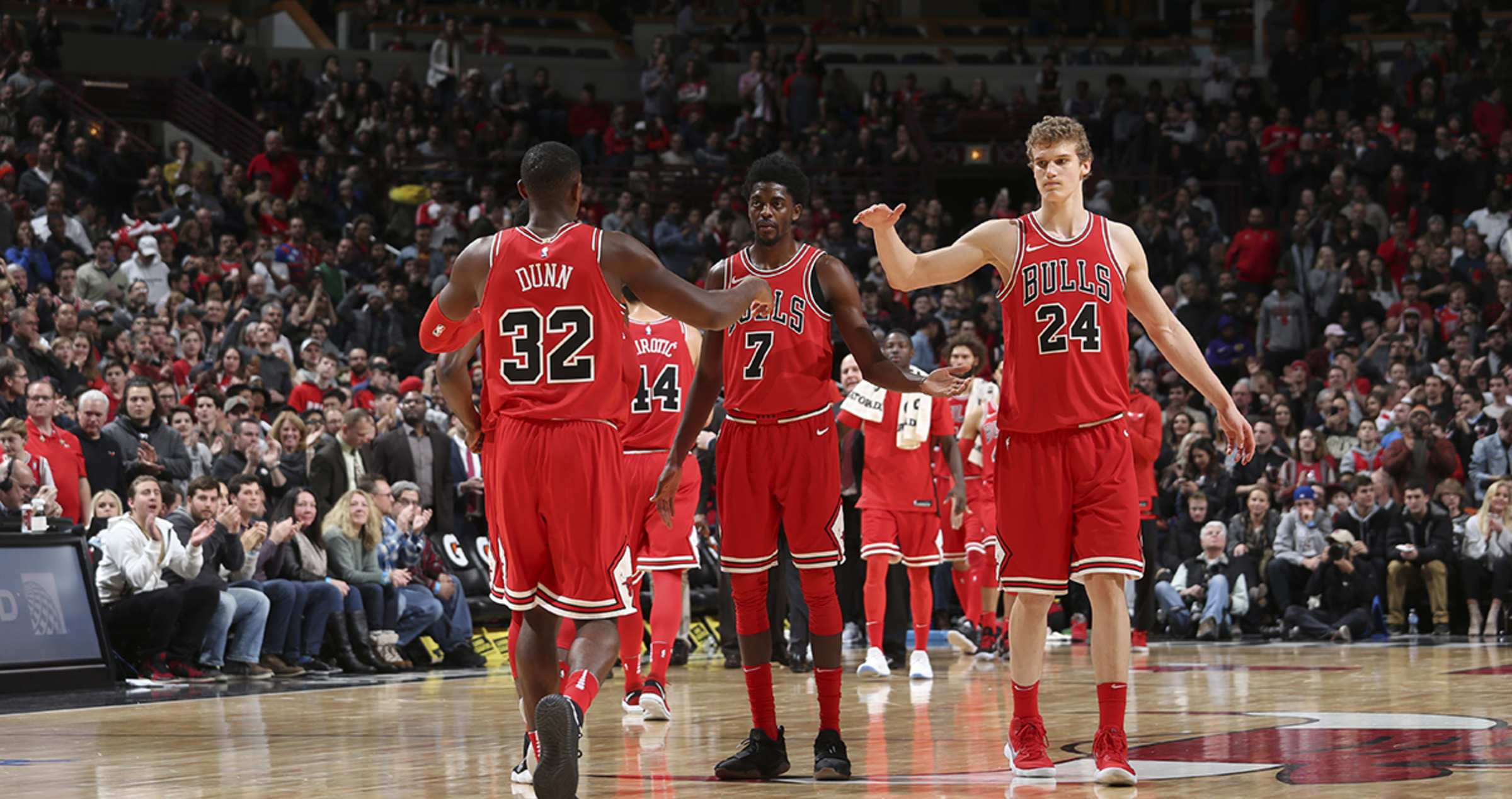 dunn and lauri high five