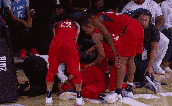 Elena Delle Donne Down In Pain During Game 2 Against The Atlanta Dream