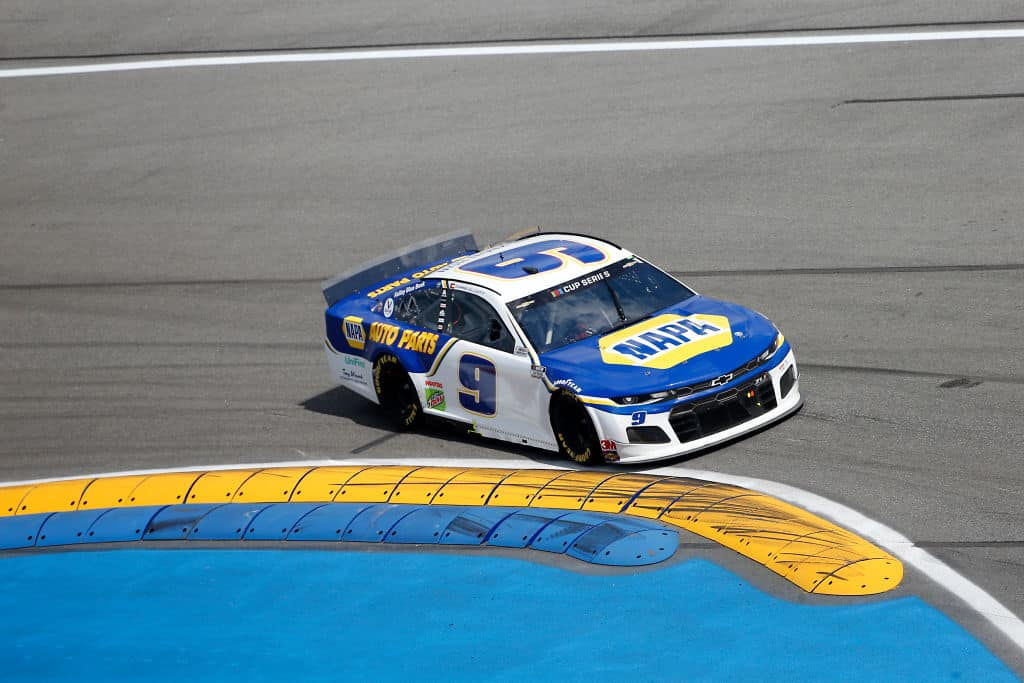 Chase Elliott wins the first NASCAR Cup Series race at the Daytona Road Course