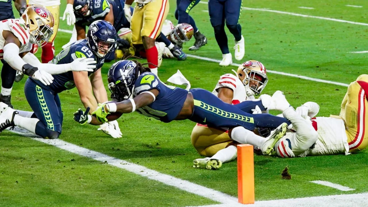 Alex Collins Punches In The Game Winning Touchdown For The Seahawks
