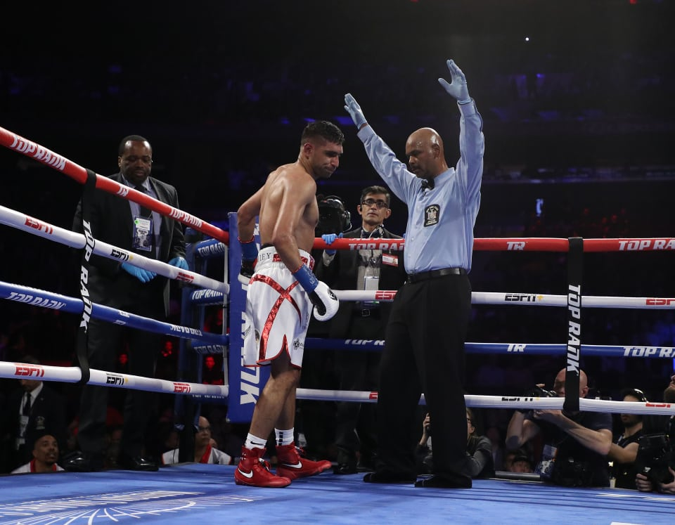 Amir Khan Quits Against Terence Crawford