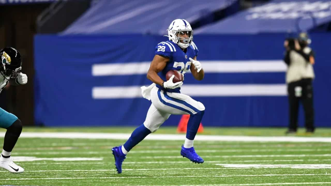 Jonathan Taylor Runs Wild For 253 Yards And 2 Touchdowns