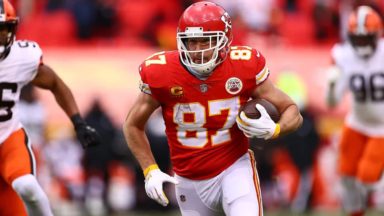 Travis Kelce Scores To Puts The Chiefs Up By Two Scores In The First