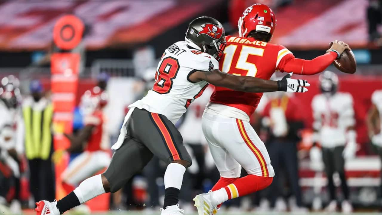 Shaq Barrett Hounded Pat Mahomes All Day Sacking Him Twice 1