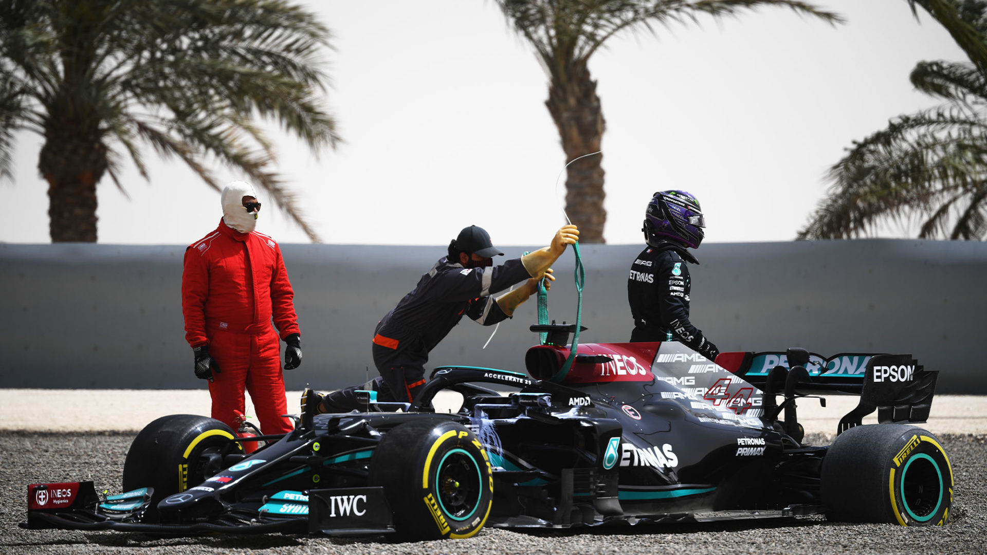 Mercedes Lost Crucial Time When Hamilton Beached The Car On Day 2