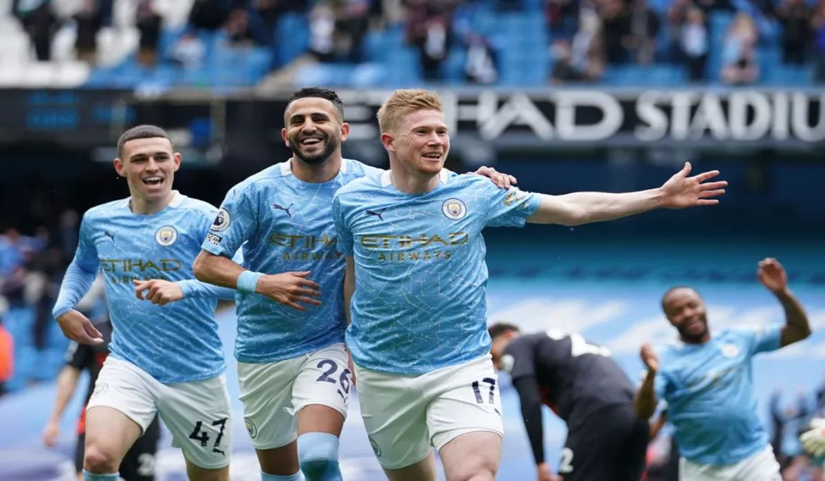 Kdb Scores A Bullet In Man City 5-0 Win Over Everton