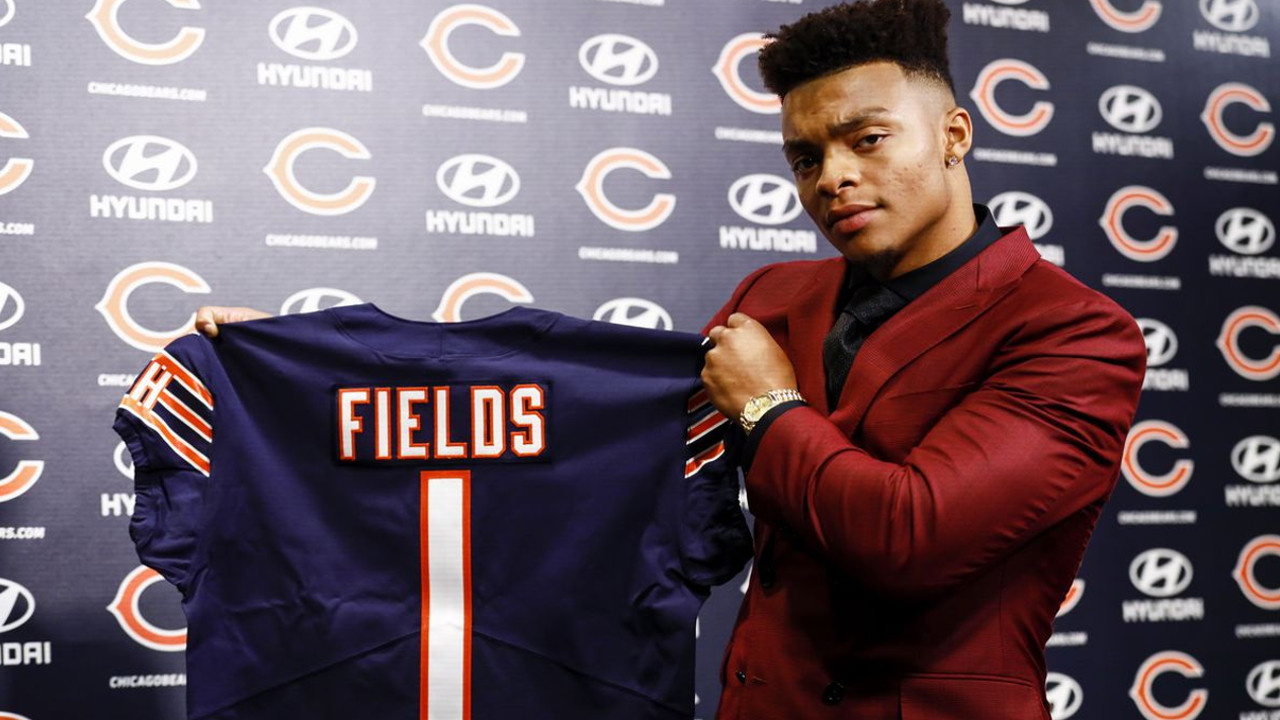 Bears earn high draft grade adding Justin Fields and solidifying roster