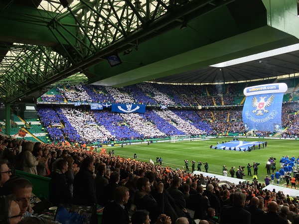 St Johnstone Fans At 2014 Cup Final