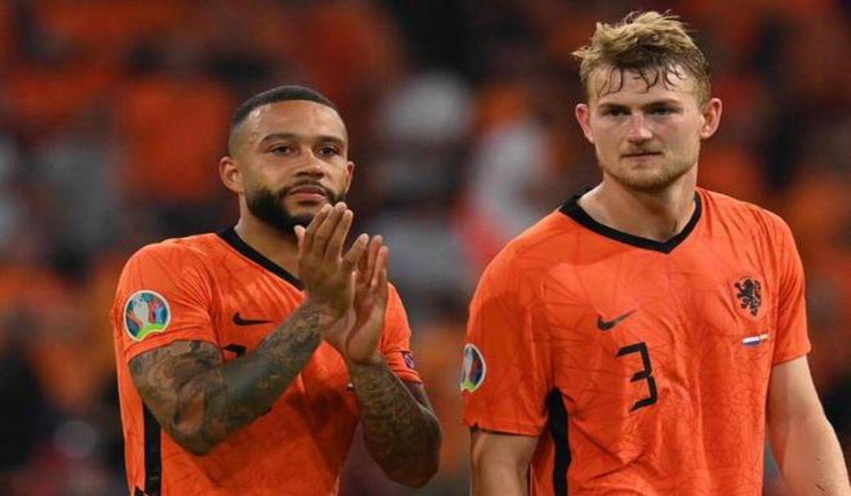 Depay And De Ligt Celebrating Holland Win