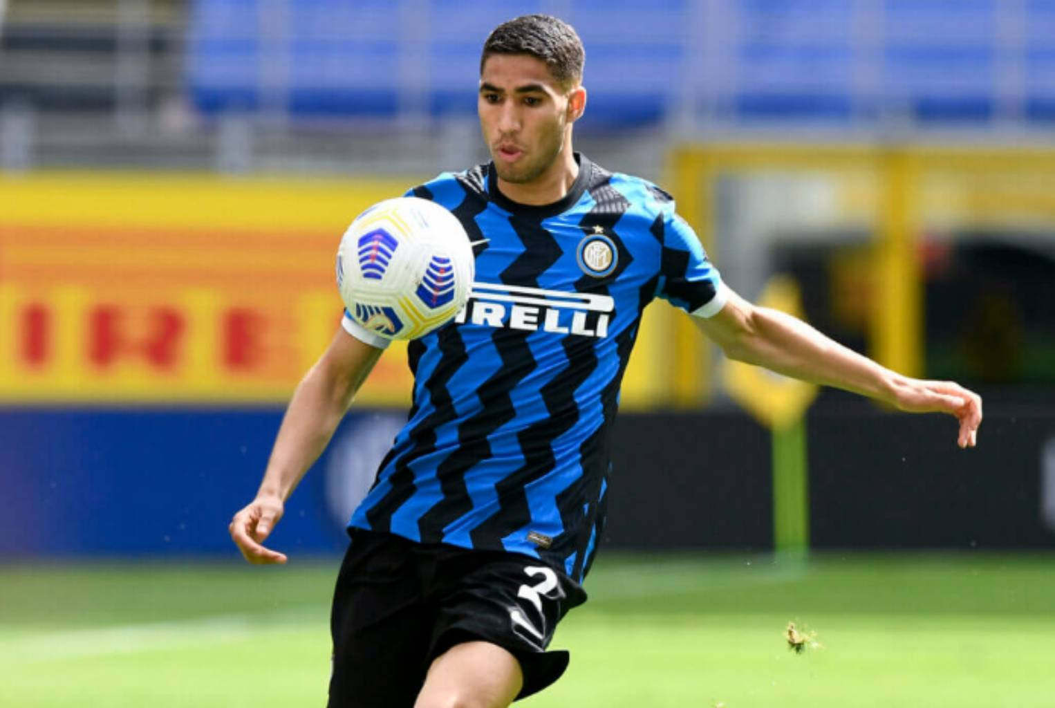 Psg face fierce competition from Chelsea for Inters Achraf Hakimi