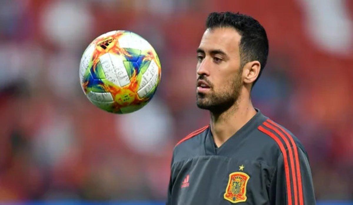 Sergio Busquets Back In Spanish Camp
