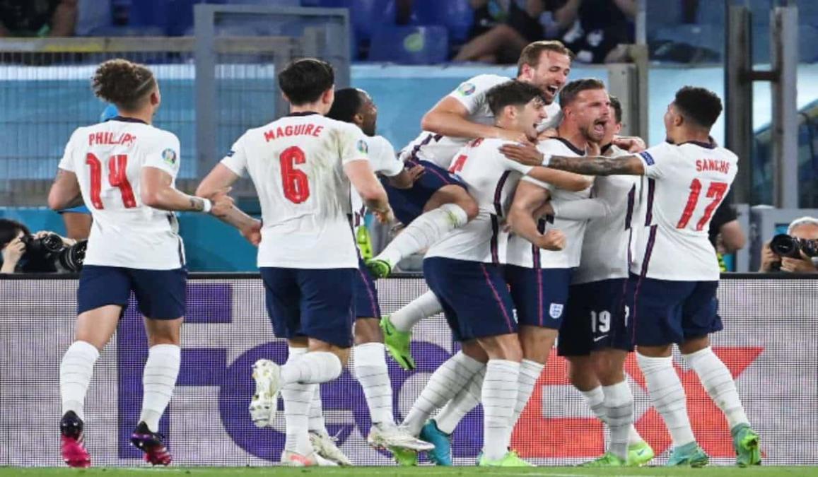 England Player Celebrating Hendersons Goal
