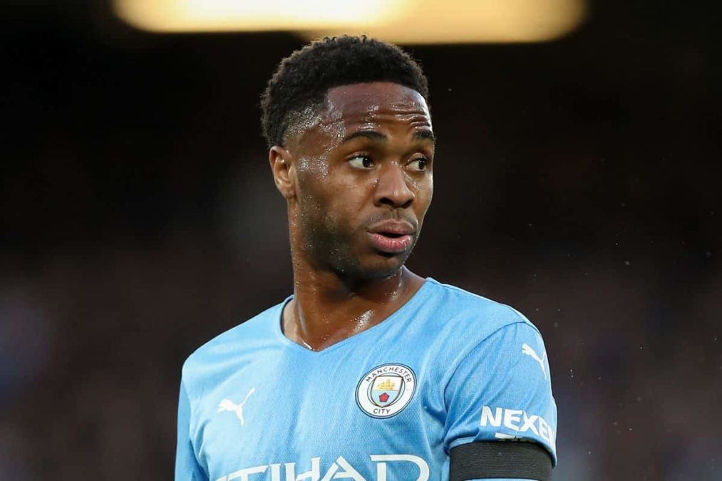 Sterling Considering Leaving Manchester City